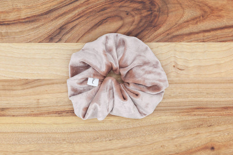 Legacy Scrunchie in Vintage Pink