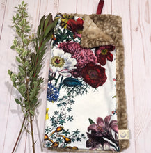 Load image into Gallery viewer, Antique Floral Blanket