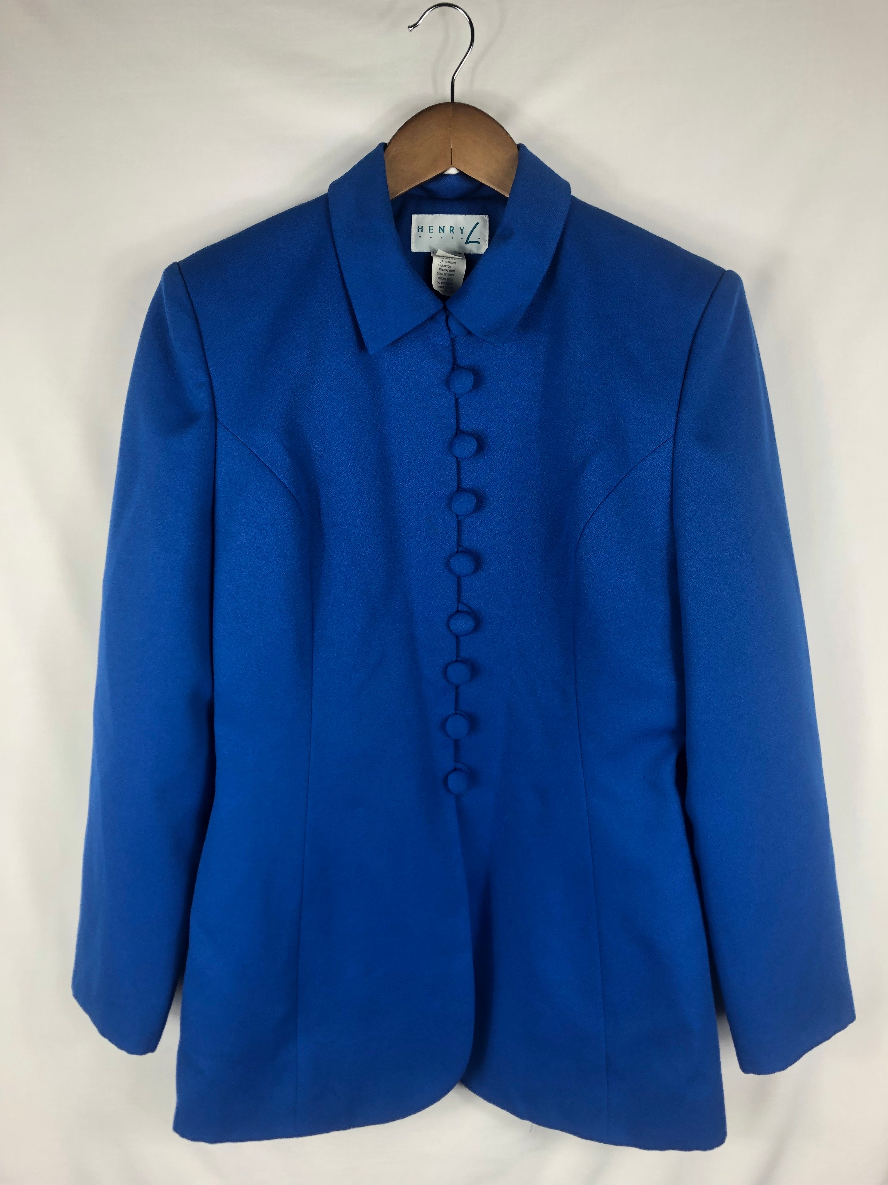 Blue Buttoned Blazer Size: Vintage 6 * Modern Best Fits: Small/Medium