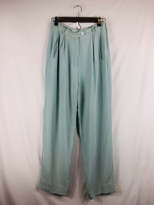 High Rise Baby Blue Vintage Pant Size: Vintage 10 *Best Fits: Small