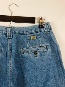 Button Pocket Lee Light Wash Mom Jean  Size: Vintage Best Fits: 8