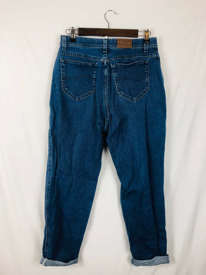 Classic Blue Lee Mom Jean Size: Vintage Best Fits: 8