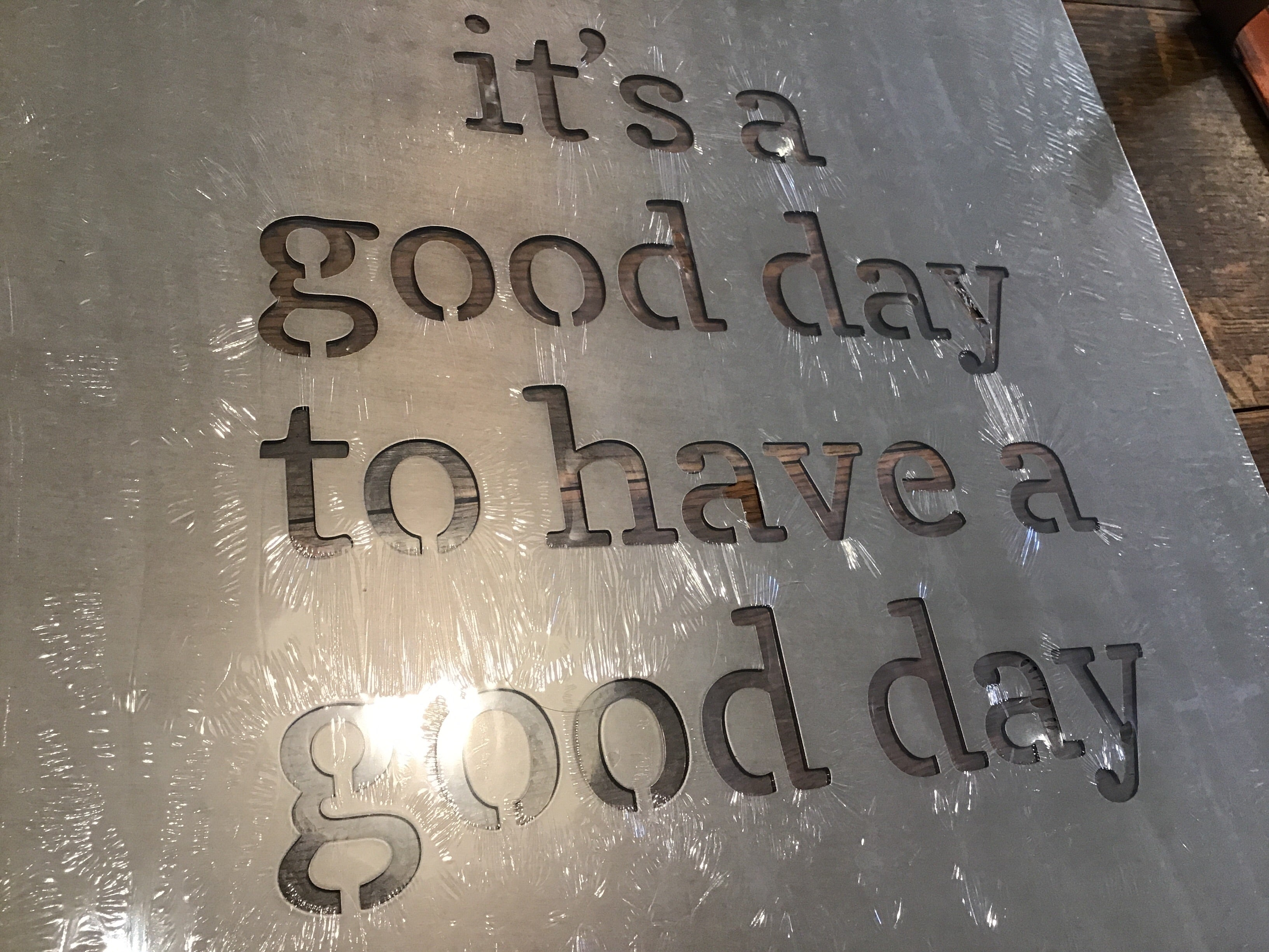 It's a Good Day Metal Wall Art