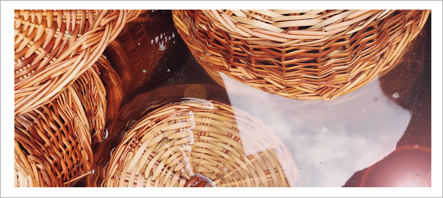 DaisyLife wicker baskets soaked in water for strengthening