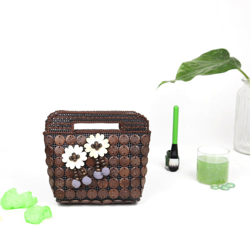 DAISYLIFE Natural and Eco-Friendly Coconut Shell Handbag/Purse/Clutch with Pompoms