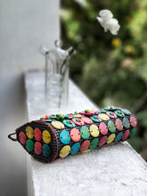 Load image into Gallery viewer, DaisyLife natural coconut shell multicolor sling fashion bag