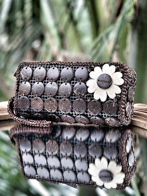 DaisyLife natural coconut shell brown fashion clutch wristlet  bag