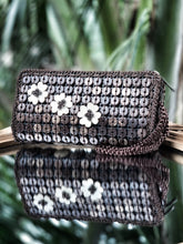 Load image into Gallery viewer, DaisyLife natural coconut shell brown wristlet clutch bag with white flowers