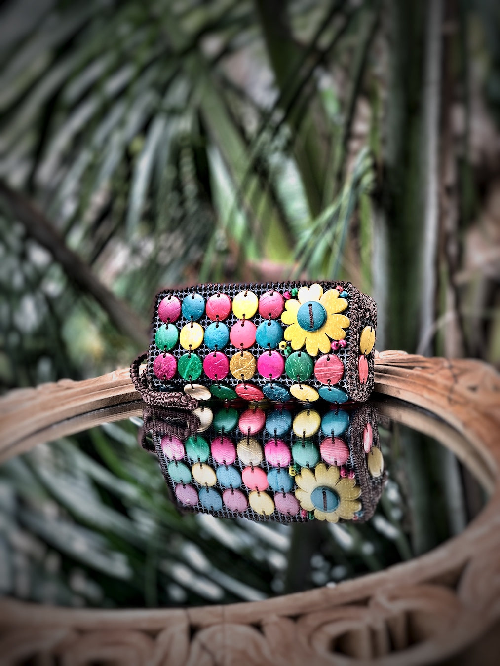 DaisyLife natural coconut shell multicolor fashion clutch wristlet  bag