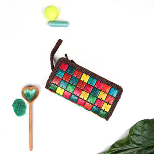 DaisyLife eco-friendly natural coconut shell multicolor hand clutch