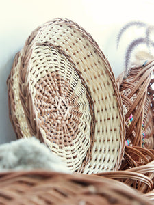 Daisylife Natural Color and Eco-friendly Wicker Round Basket