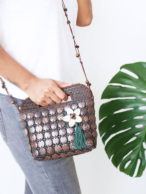 DaisyLife natural coconut shell brown fashion sling bag with tassle