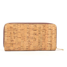 Load image into Gallery viewer, DAISYLIFE Natural and Eco-friendly Cork Clutch Bag with Snakeskin, Shimmer and Classic Cork Pattern, for everyday use and party wear.