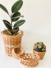 Load image into Gallery viewer, Set of 4 pcs (Medium)- Planter, Moon basket, Flower basket & Crown basket