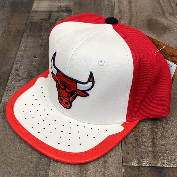 Mitchell & Ness- nba day one snapback Bulls