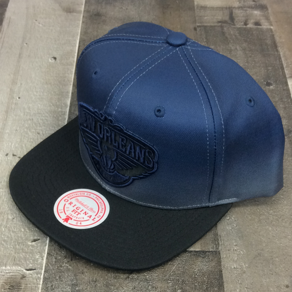 Mitchell & Ness- nba color fade SnapBack nba Pelicans