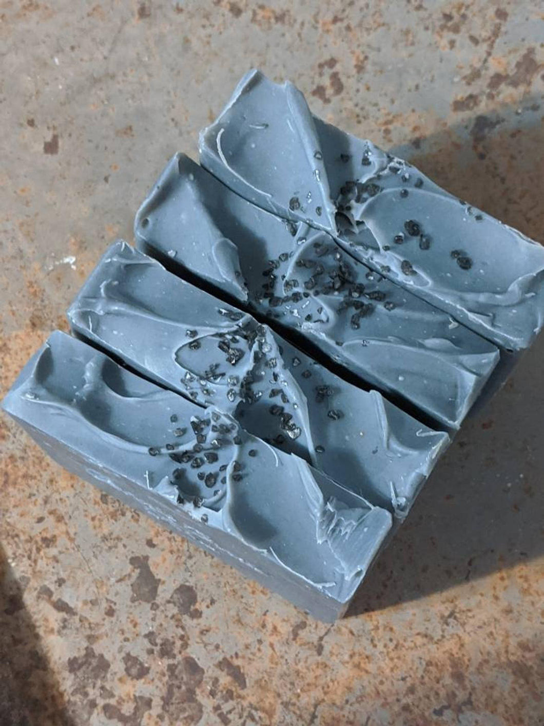 LOCUST GROVE FARM | Purifying Tea Tree Charcoal Mint Soap