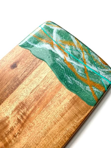 Resined Serving Board, Green & Gold