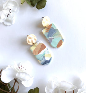 Multicolored Marbled Blend Studs
