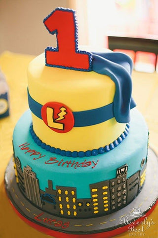 Super 7 Superhero Birthday Cake Ideas That Were Made To Wow Personalised Birthday Cards Rectzonderlifede