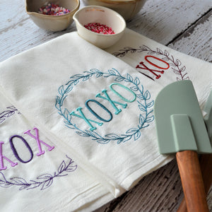 XOXO laurel Floursack Towel - Valentine's Day