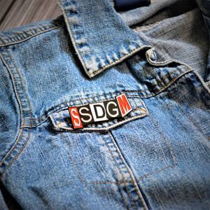 ssdgm enamel pin - sewmuchmorestore - true crime pin