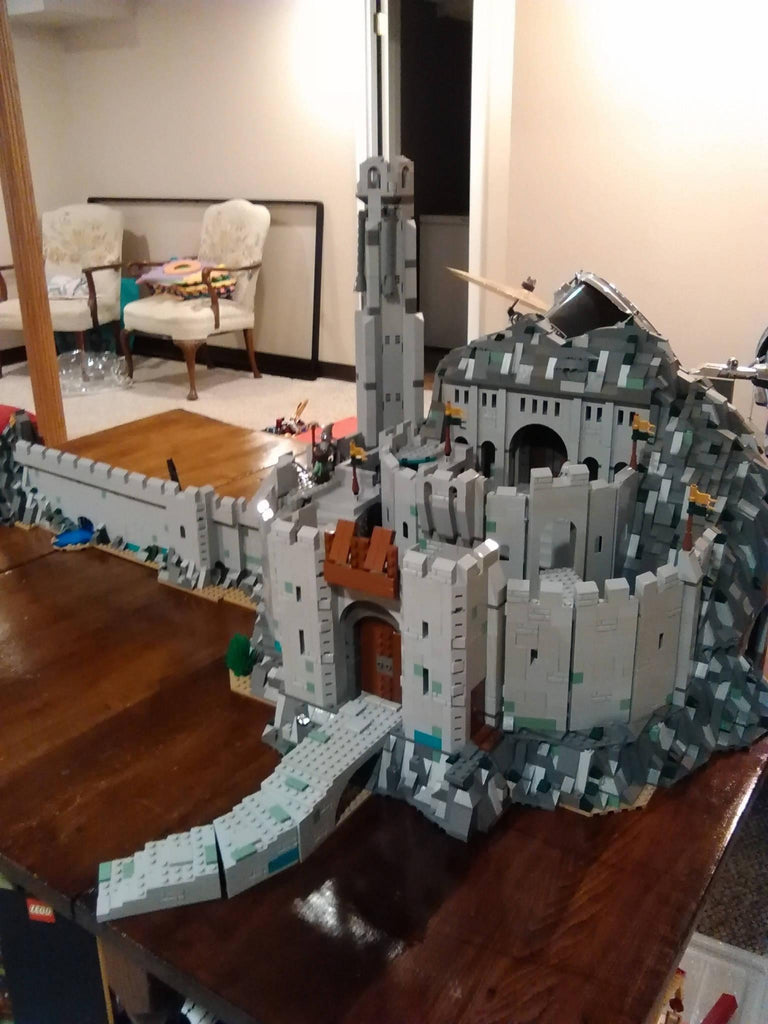 Helm's Deep, UCS scale
