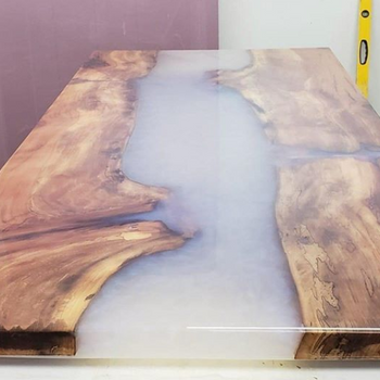 Deep Pour™ Epoxy - 2 inch - 2:1 Ratio - 1.5 Gallon Kit
