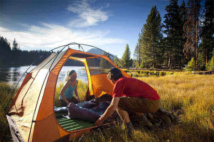 12 Best Camping Essentials for Your Weekend Trips