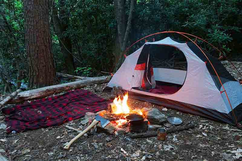 12 camping essentials