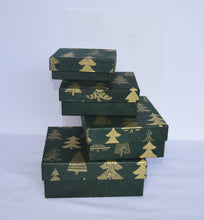 Load image into Gallery viewer, Gift Box- Green Tree Design