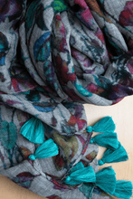Load image into Gallery viewer, fine merino wool scarf