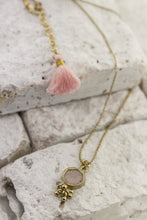 Load image into Gallery viewer, boho pendant gold necklace