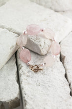 Load image into Gallery viewer, rose quartz and pearl bracelet