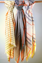 Load image into Gallery viewer, Cotton handloomed summer scarf