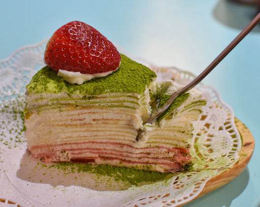 Christmas Strawberry Matcha (whole cake only)