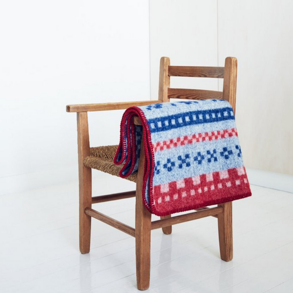 desingnorway.com - Marius Baby Blanket - Red/blue - made in norway
