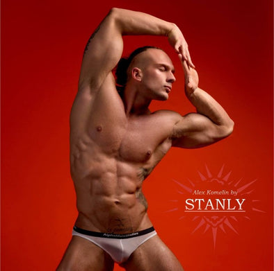 STUNNING PHOTOGRAPHY BY STANLY FEATURING MODEL ALEKSANDER KOMELIN