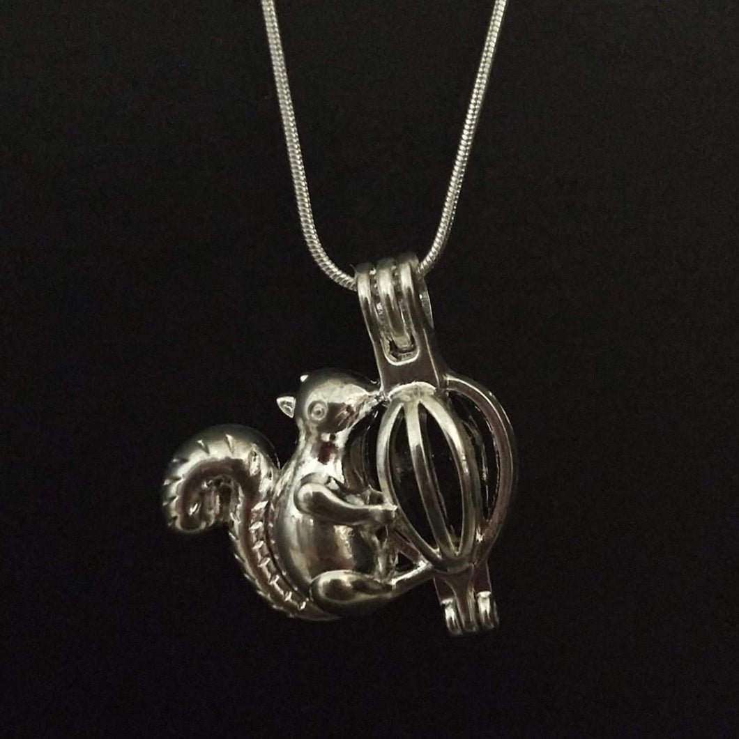 Squirrel Aromatherapy Necklace