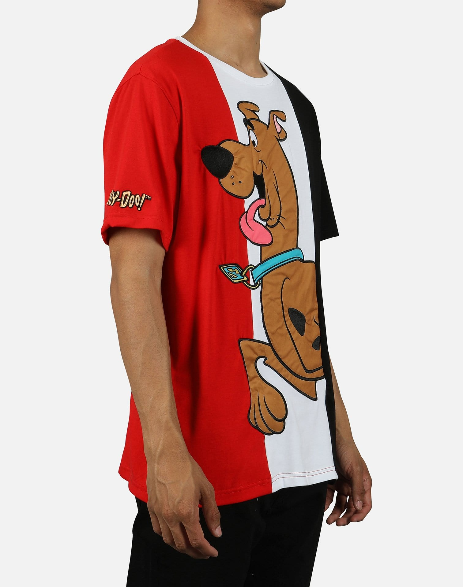 Central Mills Inc. Men's Tongue Wagging (Scooby Doo) Tee