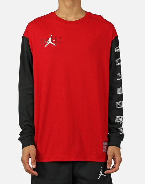 AIR JORDAN 11 LEGACY LONG-SLEEVE TEE