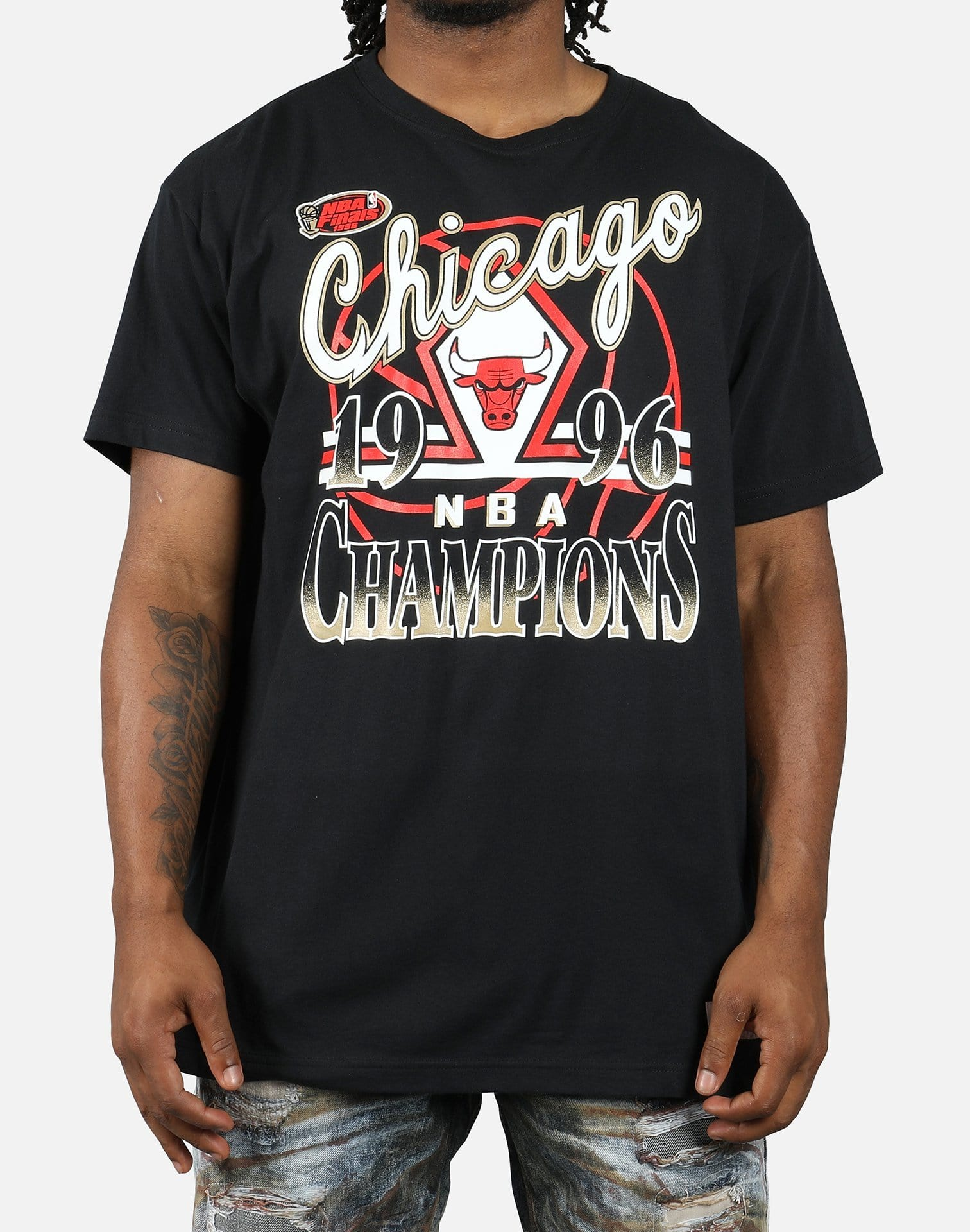 Mitchell & Ness NBA Chicago Bulls '96 Gold Championship Tee