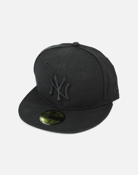 NEW YORK YANKEES BLACK FITTED HAT