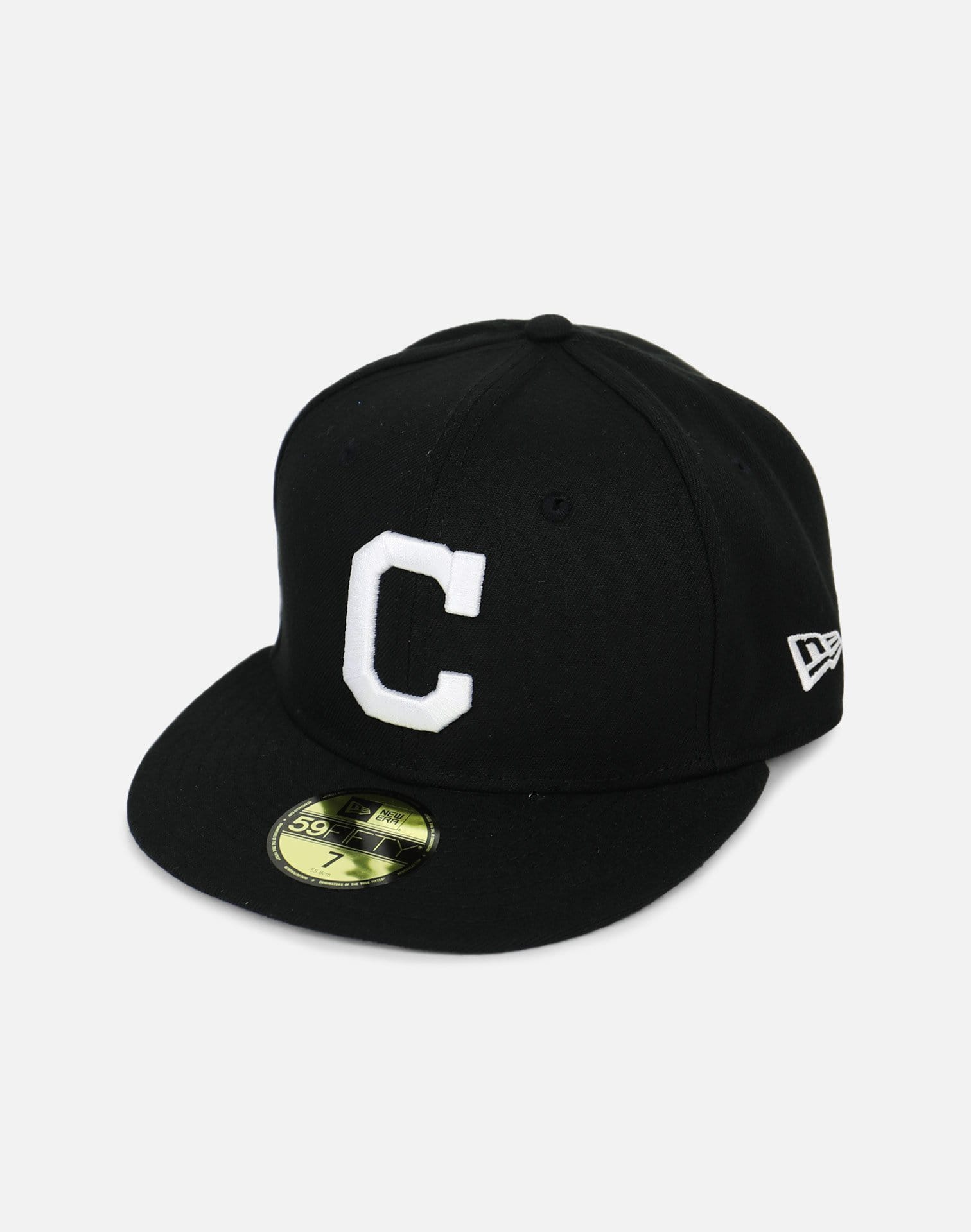 New Era Cleveland Indians Black Fitted Hat (Black)