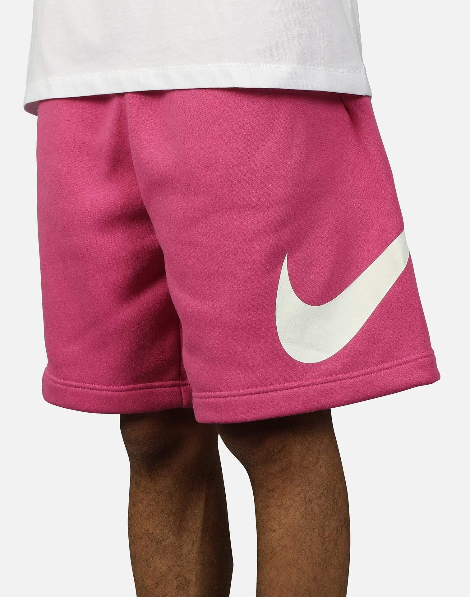 NSW CLUB GRAPHIC SWOOSH SHORTS – DTLR