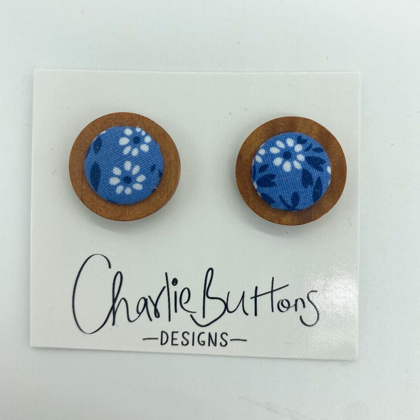 # Wooden Floral Studs