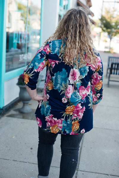 Living for Florals Top