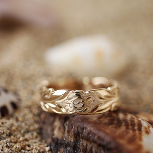 6mm 14k Yellow Gold Hawaiian Heirloom Honu and Plumeria with Curved Maile Scallop Edge Ring - Hawaiian Jewelry