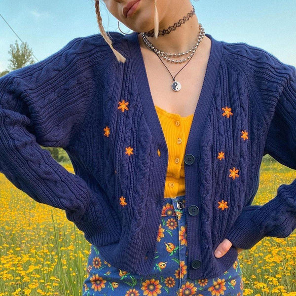 FLORAL EMBROIDERY VINTAGE SWEATER - Cosmiquestudio.com Aesthetic Clothes