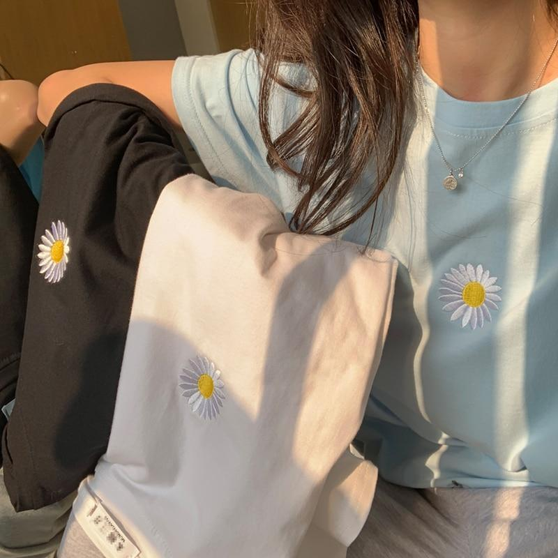 AESTHETIC SOFT GIRL EMBROIDERED DAISY TEE-Cosmique Studio